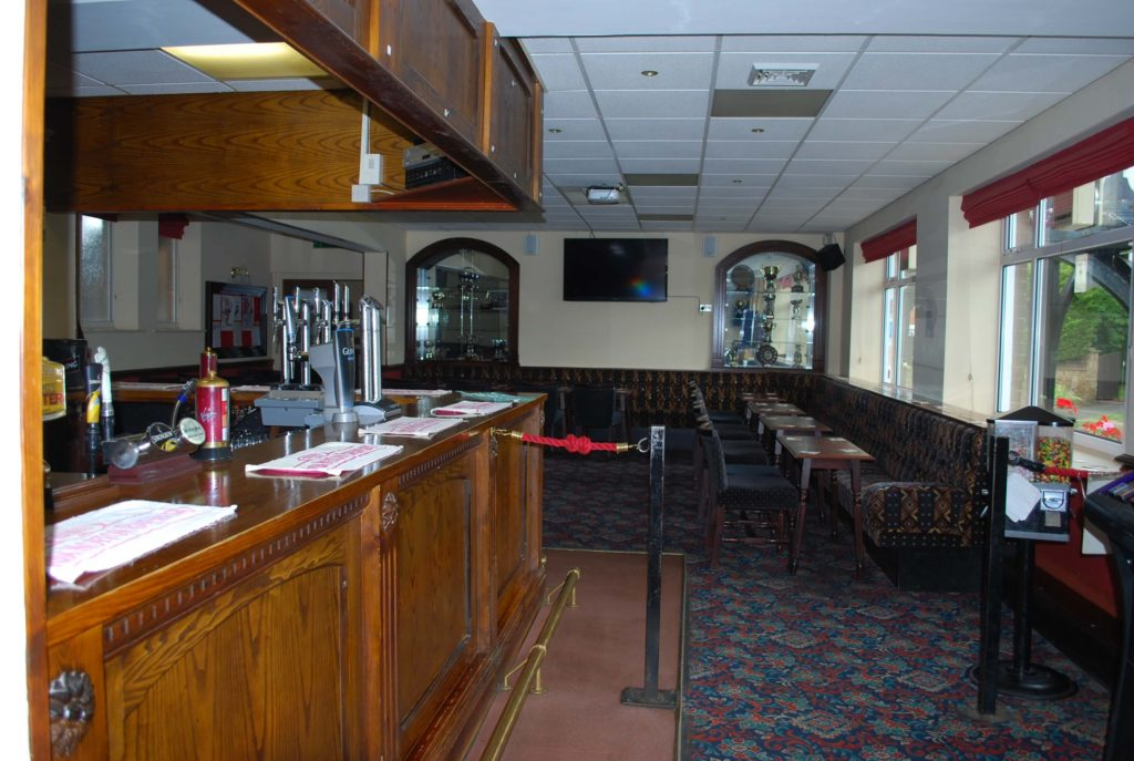 Woodford_Halse_social_club_bar